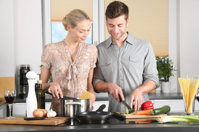 Cooking, a great way to make her come to your home or apartment